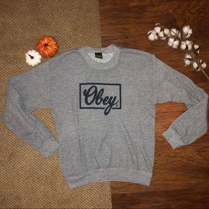 •obey crew neck•